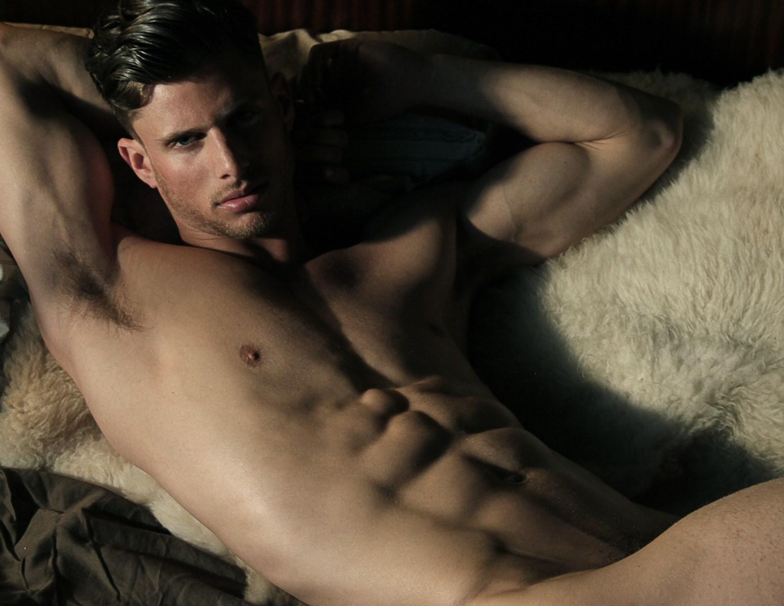 мужчиниы голые сексуальные