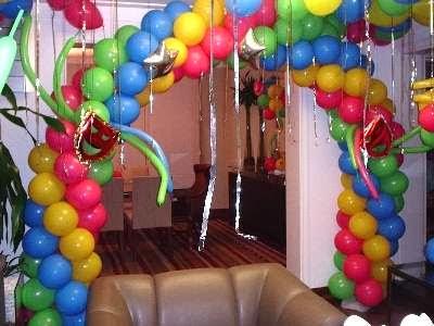 C mo hacer arcos con globos decoraci n con globos - Como hacer decoracion con globos ...