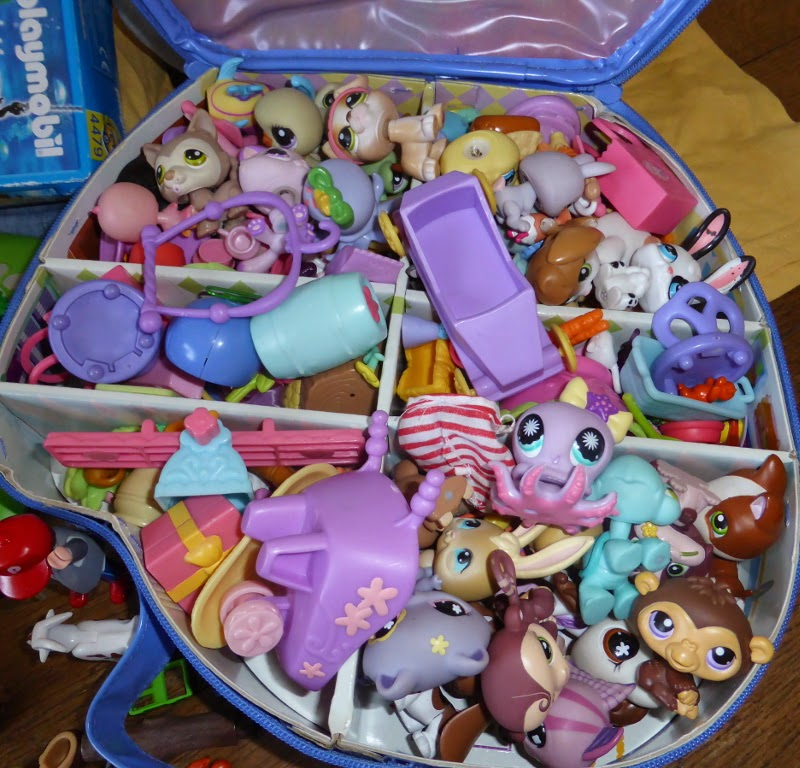 lot of littlest pet shop