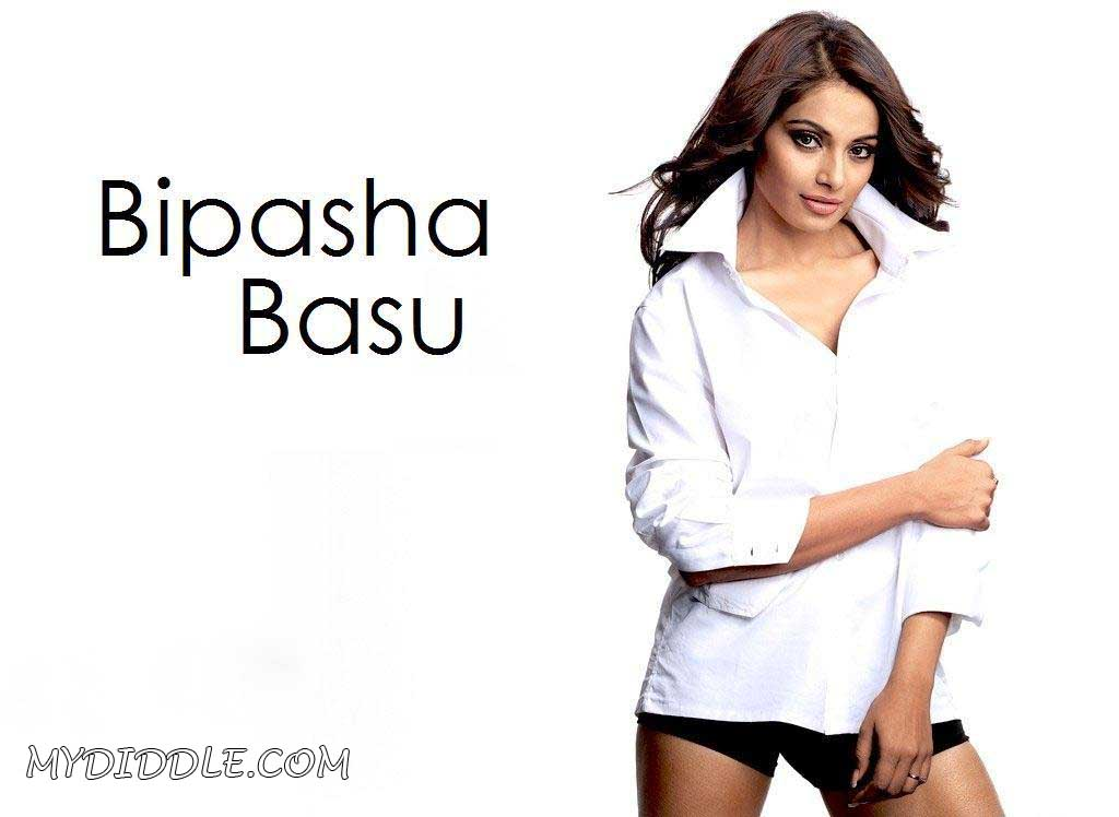 Bipasha Basu Latest HOT Wallpaper