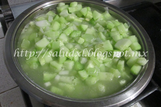 caldo_verduras_salud_xl
