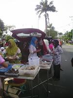 Market at PKOR Sunday morning