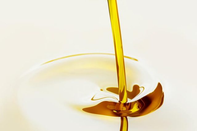 Oil being pour down | Know your oils