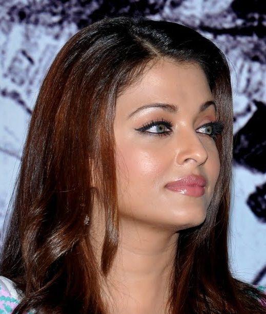 Aishwarya Rai Romantic Eyes And Lips ~ Fashion & Style