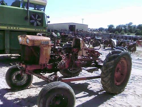 EQ-23005 CASE 600 Tractor