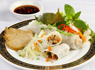 Steamed Rice Pancake Roll with Vegetarian Filling 4