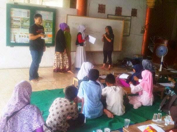 Workshop KLJ dan belajar mendongeng Sekolah raya