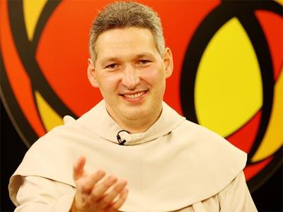 Missionário, artista, ídolo e padre