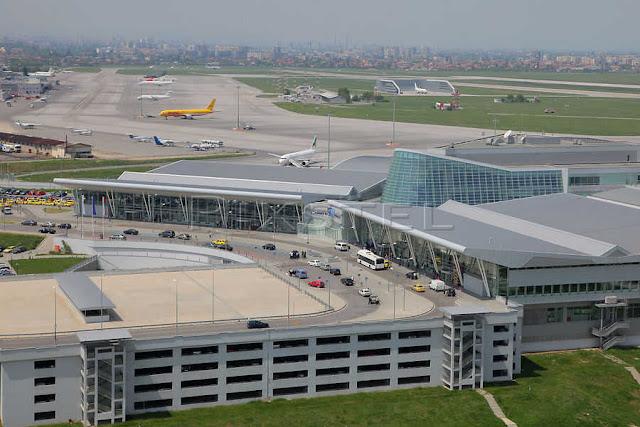Η διάρκεια των απευθείας πτήσεων από το αεροδρόμιο της Αθήνας προς το αεροδρόμιο της Σόφιας είναι 1 ώρα και 15 λεπτά.