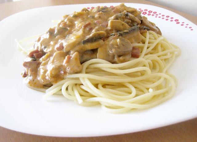 Espaguetis+con+jamon+y+champi%C3%B1ones.jpg