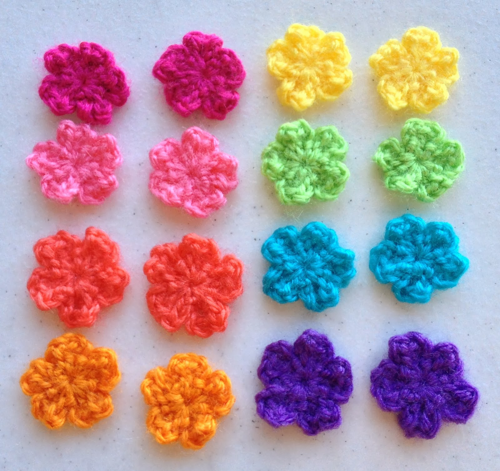Make Crochet Flower Pattern : Make ALL The Things!: Small Flower Crochet Pattern