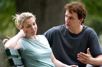 كيف تكتشفين كذب حبيبك او زوجك عليك - رجل يكذب على امرأة - يتشاجران - man lie to a woman