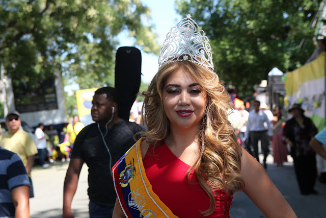 imagenes del desfile ecuatoriano de Queens New York - reina del desfile ecuatoriano 2015