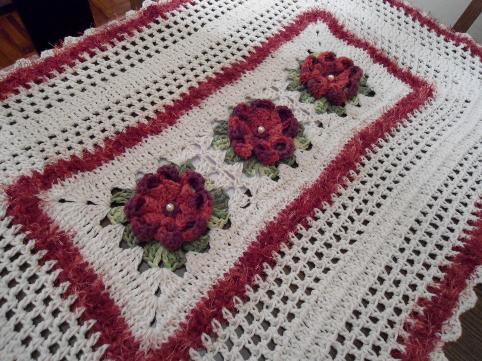 Neusa Croche Tapete com flor dalia