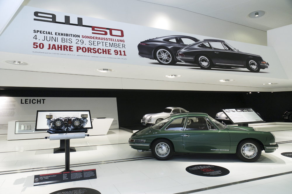 The T7, predecessor of the 911, welcomes all visitors to the anniversary exhibition