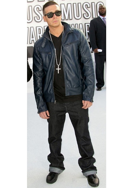 celebrity heights how tall are celebrities heights of celebrities how tall is vinny guadagnino. Black Bedroom Furniture Sets. Home Design Ideas