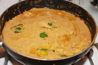http://wat2cook.blogspot.com/2012/07/indian-chicken-kurma.html
