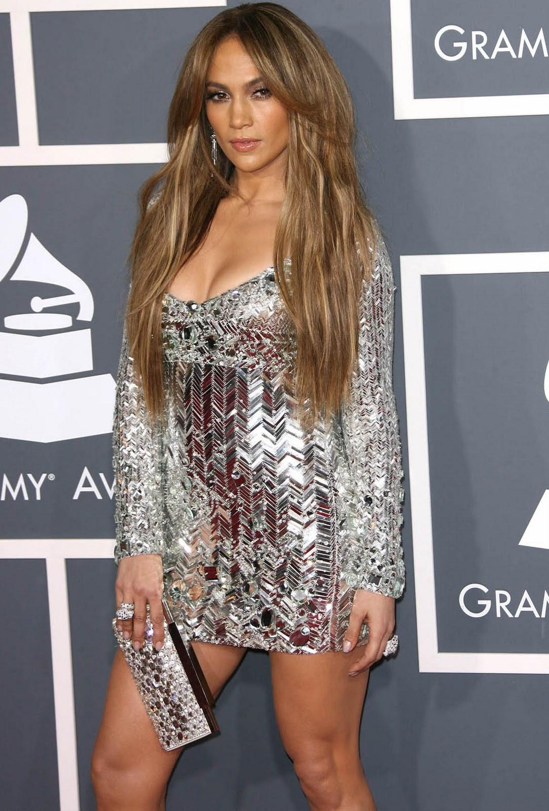 http://3.bp.blogspot.com/-LXDzt2w-BCg/TuEiQrTkNdI/AAAAAAAAAyc/TvcmAE7TDdY/s1600/jennifer_lopez_grammy_dress.jpg