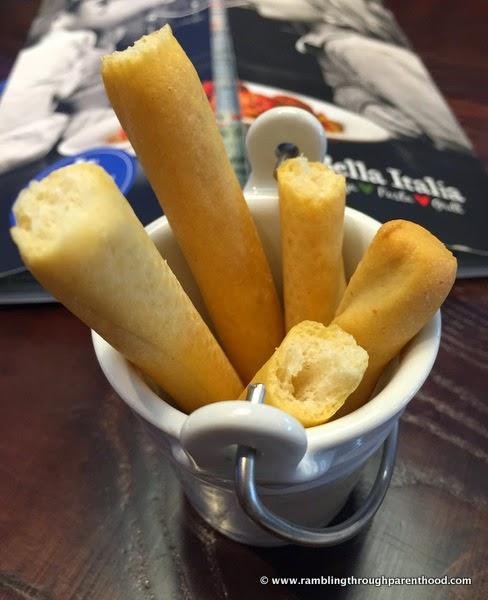 Breadsticks in a bucket, Bella Italia
