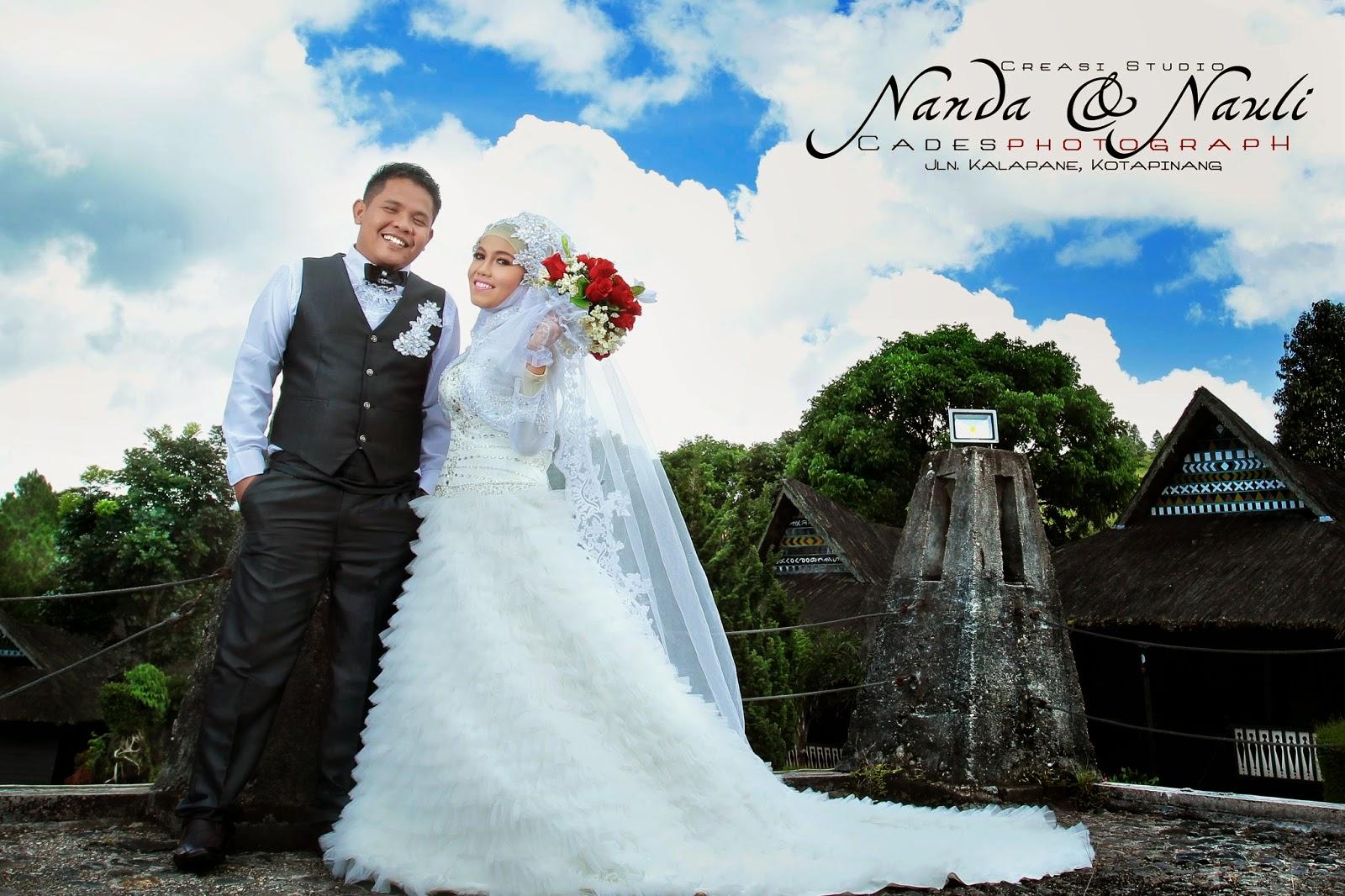 Foto Prewedding Baju Selayar  Prewedmoto