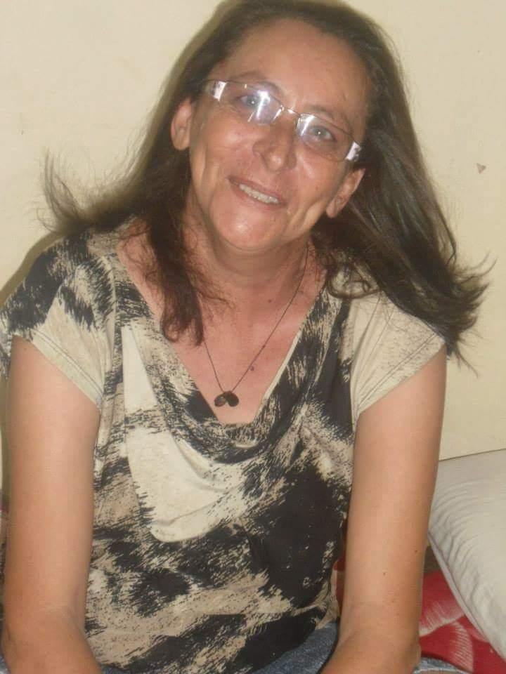 Foi sepultado por volta das 17 horas desta sexta-feira (27), o corpo de Francinete Silva de 47 anos, moradora da Rua Estudante José Marques Feitosa no ... - 12278653_1696956627186711_274320393758179461_n