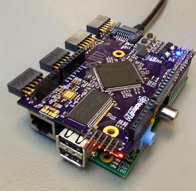 Placa de expansão Logi-Pi conectada ao Raspberry Pi