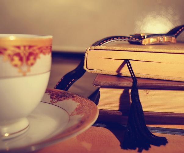 Czytać to bardziej żyć, to żyć intensywniej.