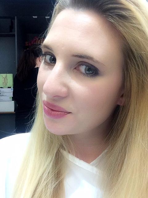 fiona kay selfie