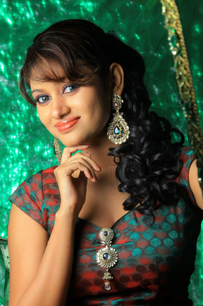 actress oviya helen hot photos tamil actress tamil