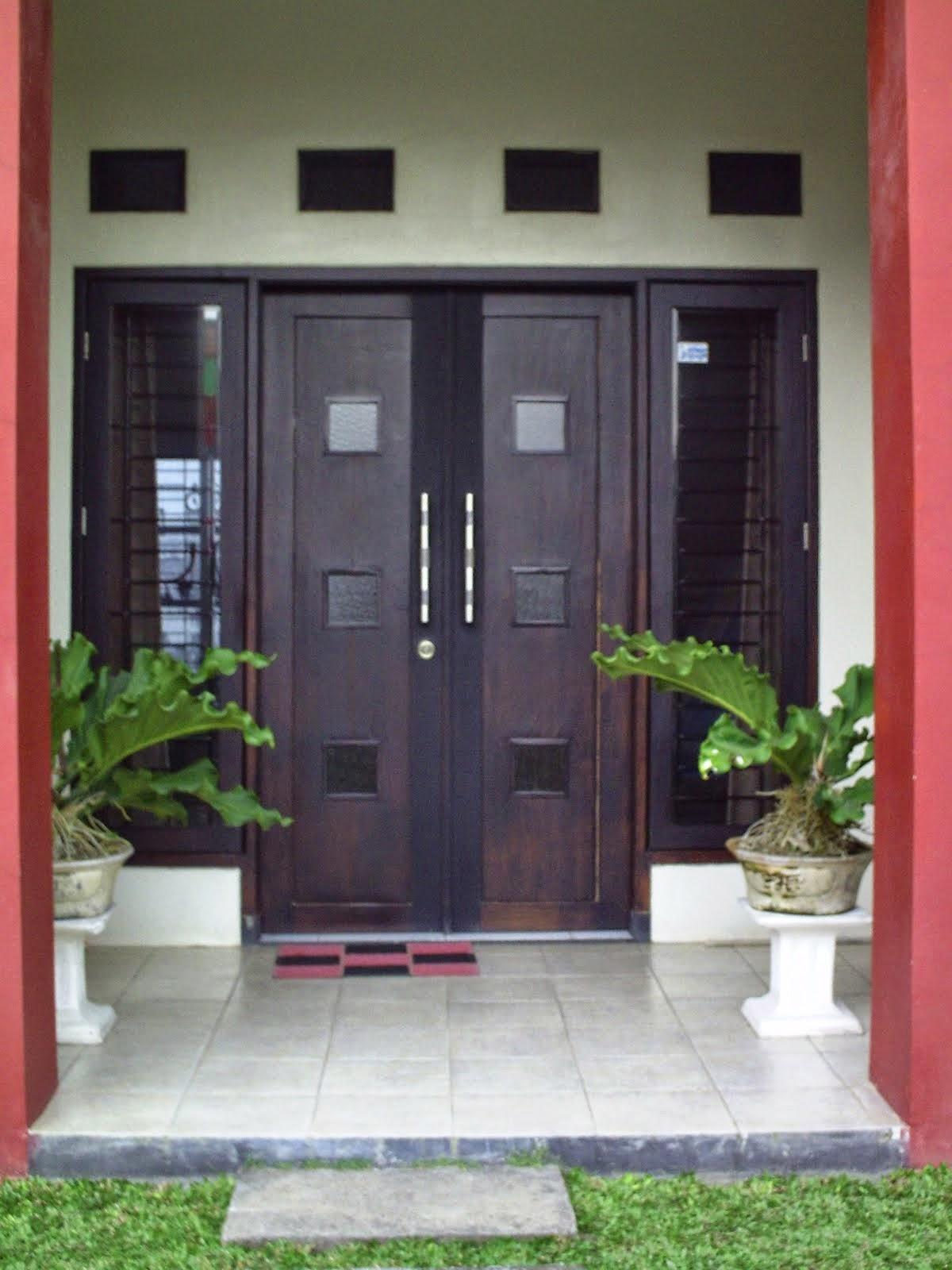 Bentuk Pintu Rumah Minimalis Mewah 2014
