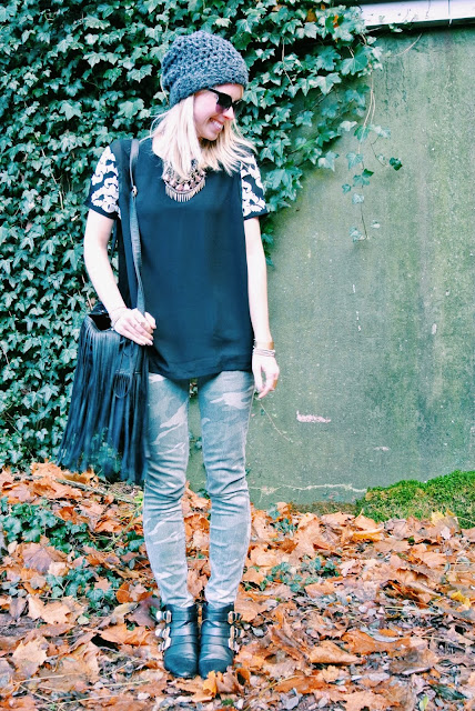 Charlotte Russe camo pants, Charlotte Russe gold buckle boots, Charlotte Russe black fringe bag, ChicWish Baroque embroidered top, style blogger, outfit ideas, outfit of the day, ootd, Christmas