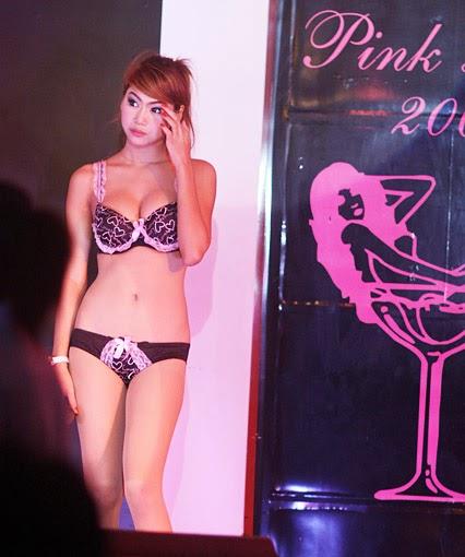 Pretty young Thai women