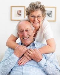 Um Abraço às nossas velhinhas. Cantiga em rima. Quadras