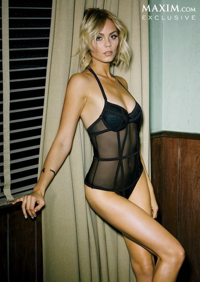 Laura Vandervoort posa para Maxim por el exito de Bitten