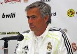 Gazzetta dello Sport: Mourinho insiste per Cavani al Real