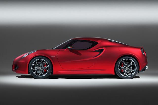 Alfa Romeo 4C Concept side