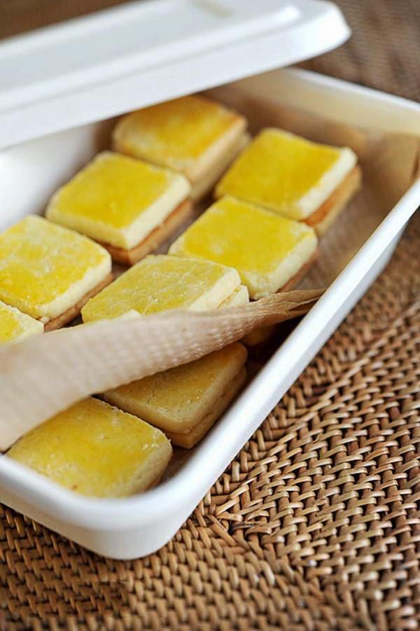 Vietnamese Food - Bánh Quy Bơ Nhân Phô Mai