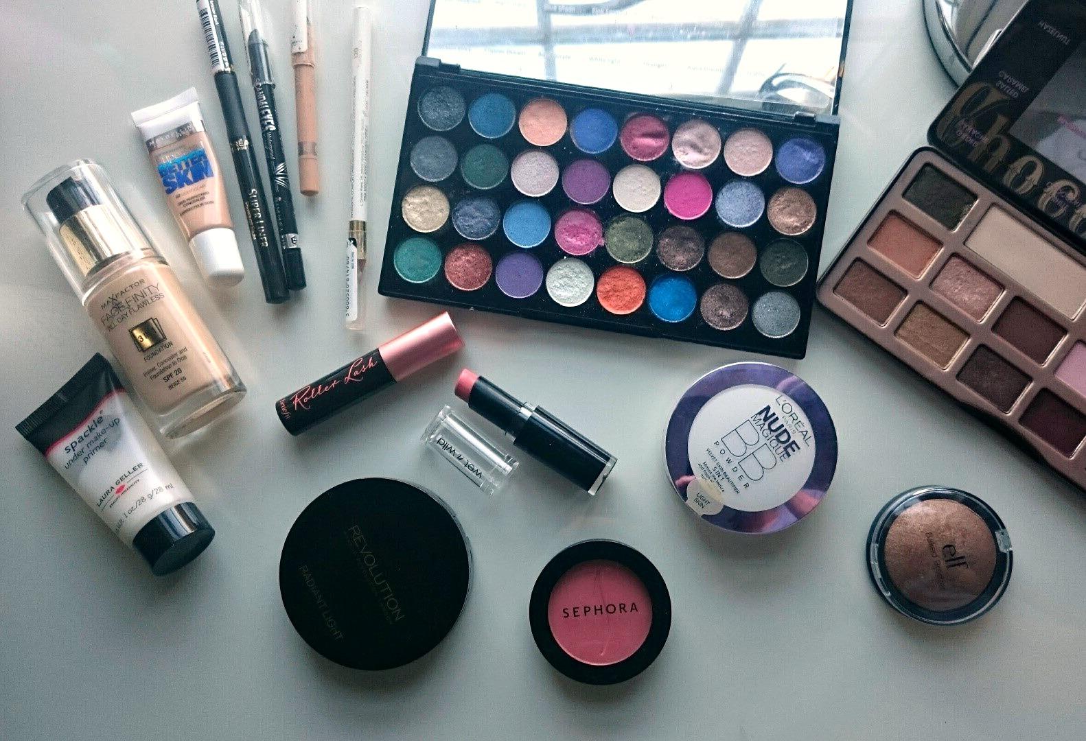 Makeup Revolution Eyes like Angels palette