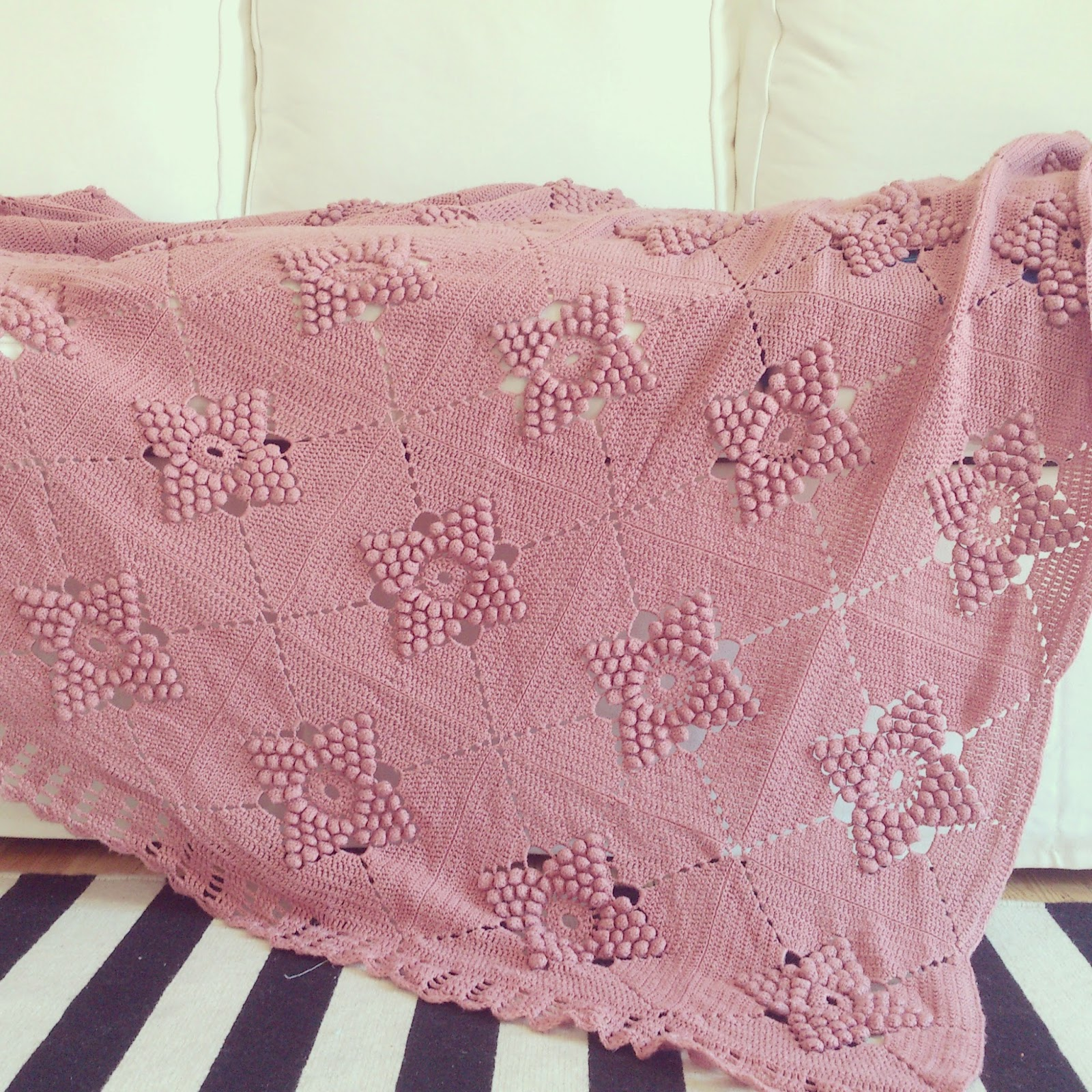 ByHaafner, vintage crochet blanket, pastel, pink, popcorn stitch