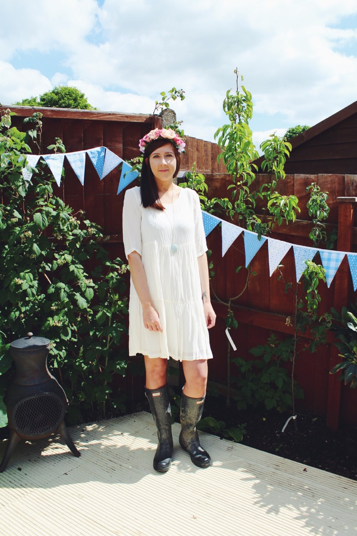 newlook, asseenonme, creamdress, hunterboots, festival, festivalclothes, festivalfashion, floralheadband, primark, primarkfloralheadband, lookoftheday, lotd, ootd, outfitoftheday, topshop, , whatimwearing, wiw