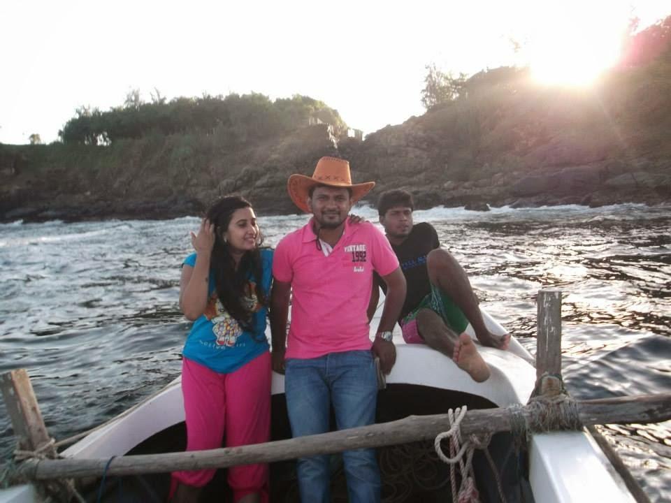 madhu nithyani pink in water