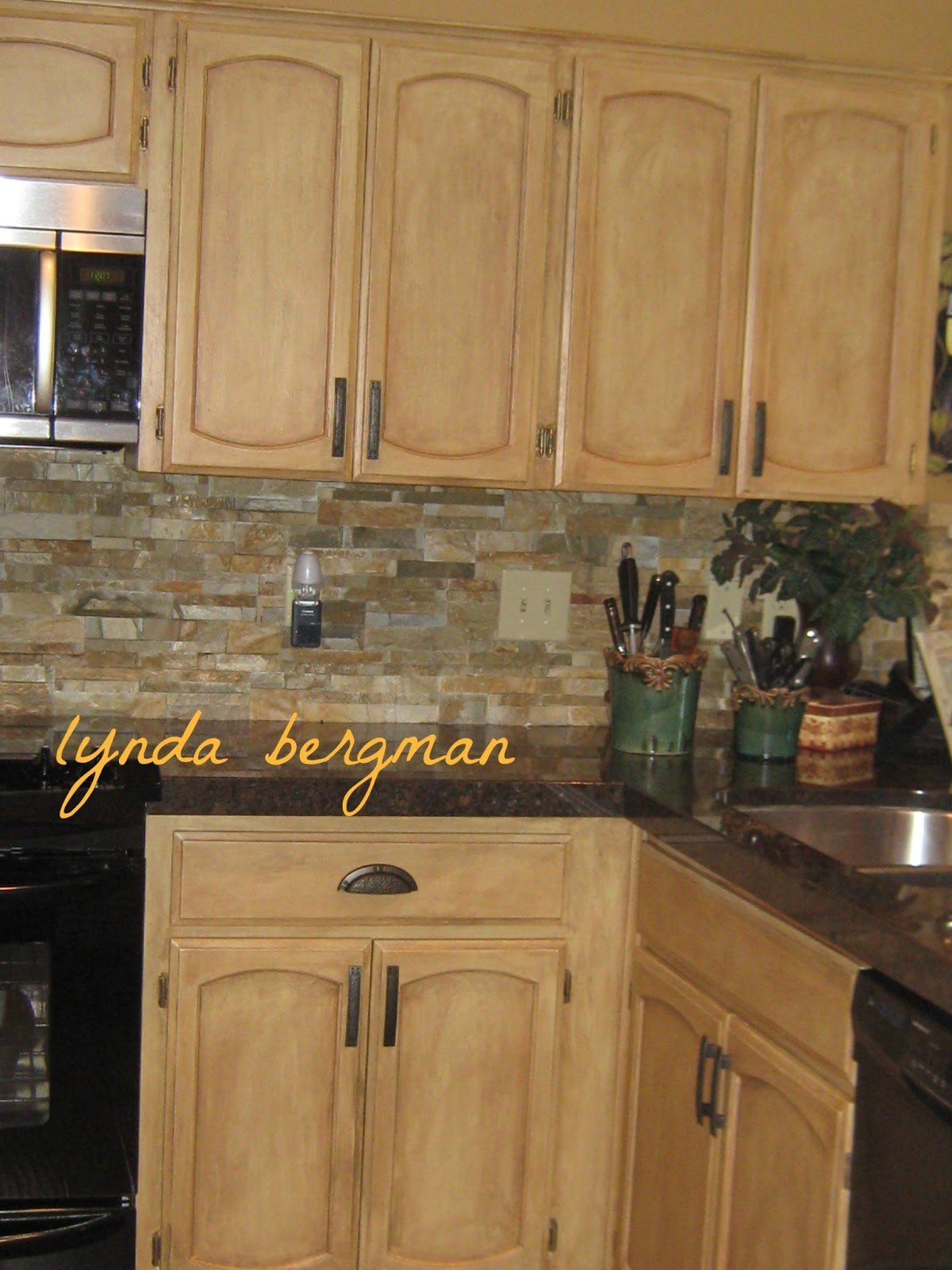 LYNDA BERGMAN DECORATIVE ARTISAN: LINDA'S NEW KITCHEN ...