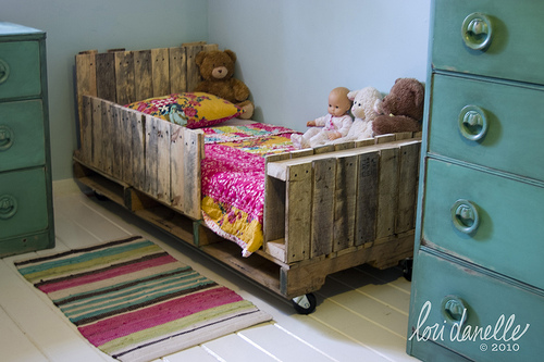 kidodidoo mebelki z palet. Black Bedroom Furniture Sets. Home Design Ideas