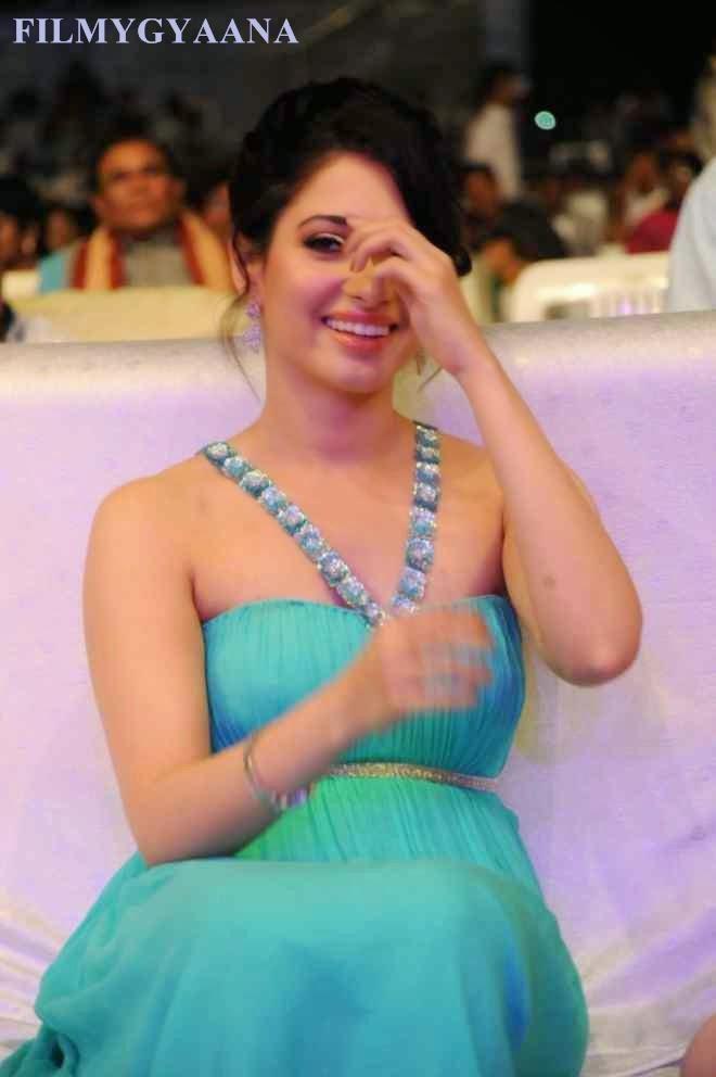 tamanna bhatia off shoulder photos