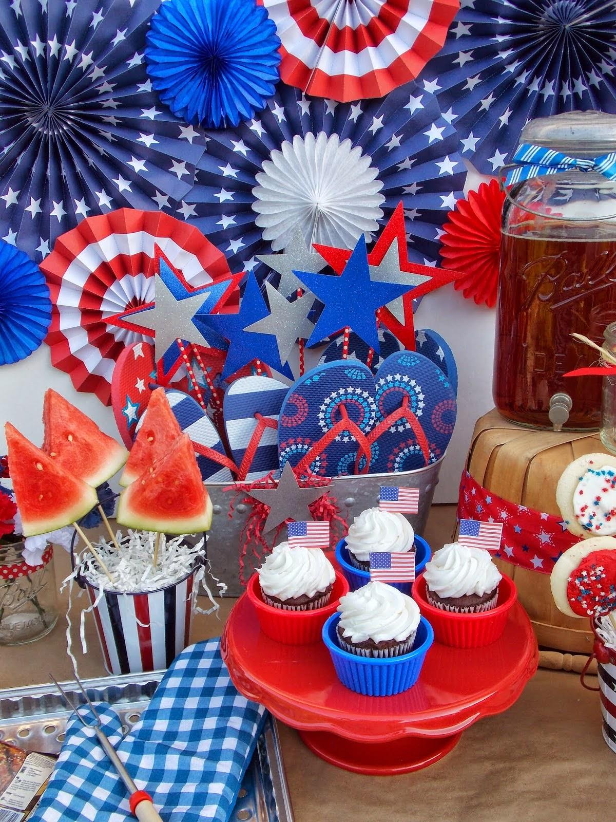 Cupcake Wishes & Birthday Dreams: {Friday Freebie} Patriotic Holiday on backyard barbecue decor ideas, backyard movie diy, backyard bbq food table decorating, backyard bbq wedding ideas, backyard barbeque pool party,