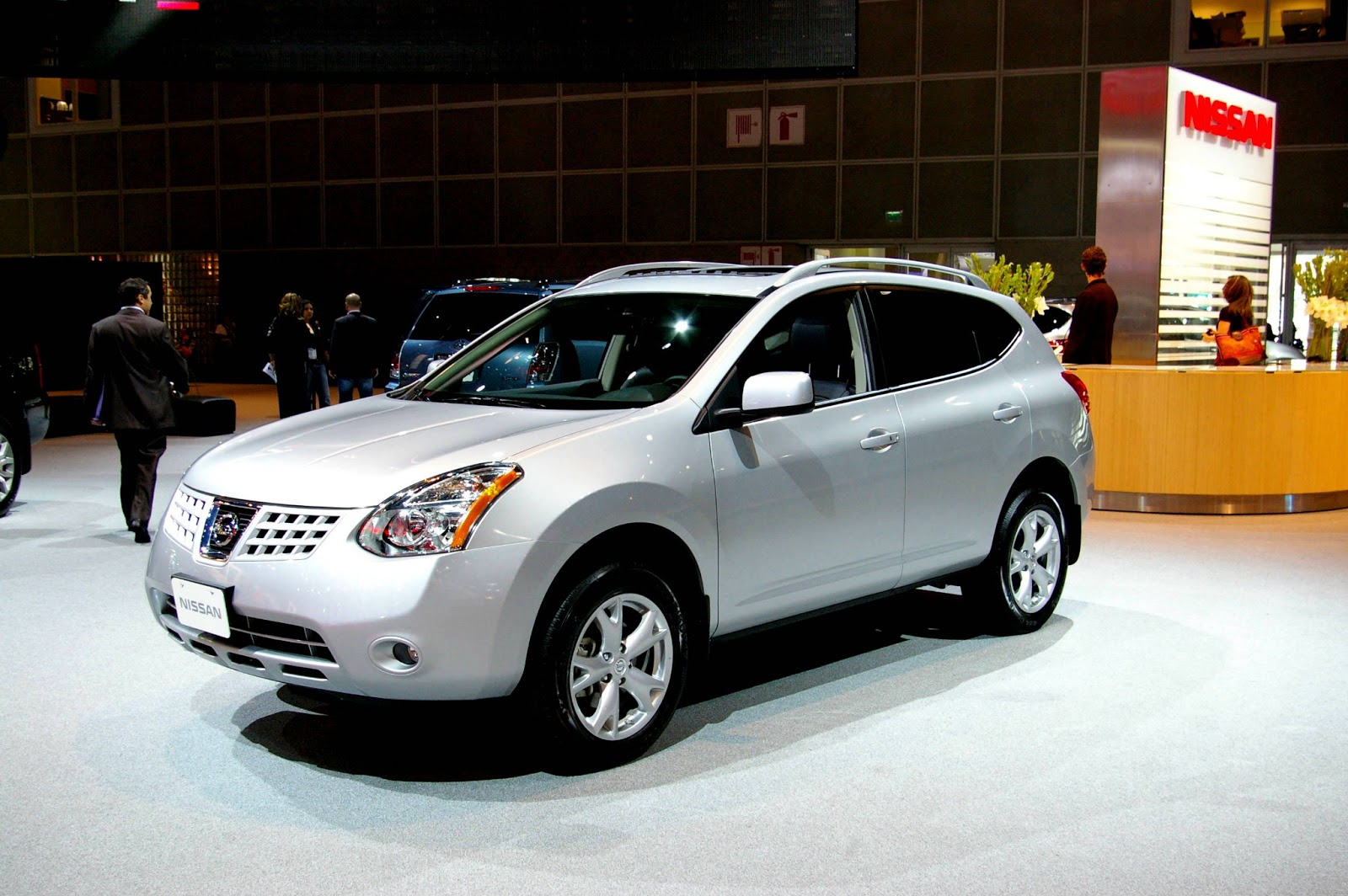 nissan rogue news cars 2013 nissan views car. Black Bedroom Furniture Sets. Home Design Ideas