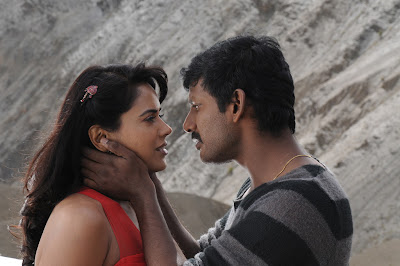 Vishal and Sameera Reddy Hot Photos