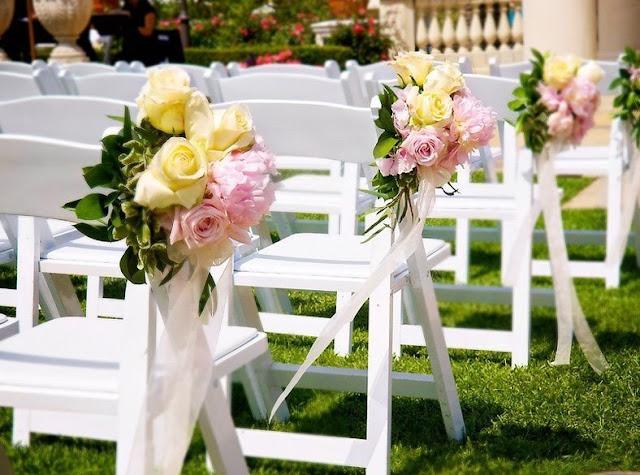 decoracao de casamento que eu posso fazer:Você pode usar vários tipos de flores e cores, pode colocar fitas de