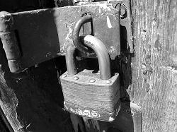 Pentingnya Menduplikat Kunci Kost