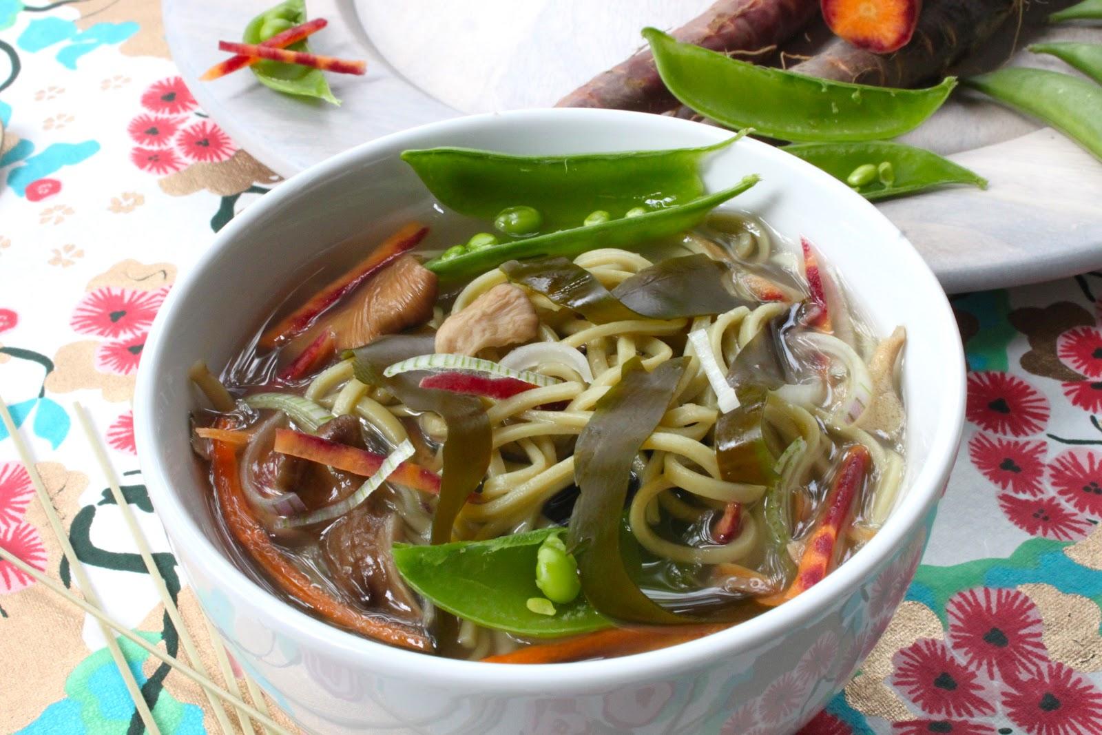 Petits repas entre amis soupe japonaise au mis0 maitake for Repas entre amis rapide et facile
